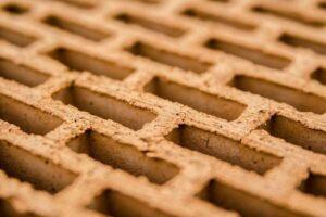Czym się różni bloczek betonowy od pustaka?